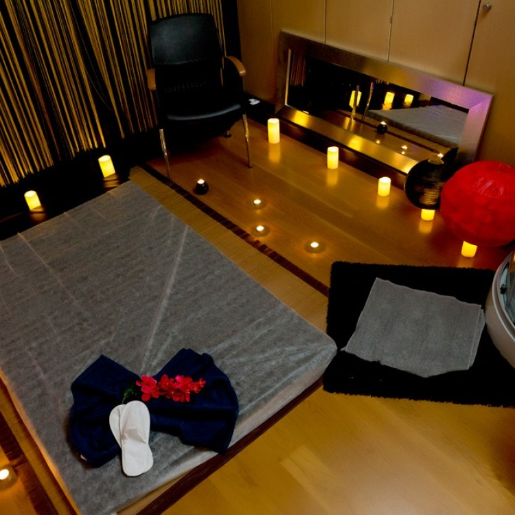 NURU LOVERS by Tantric Moments Expo